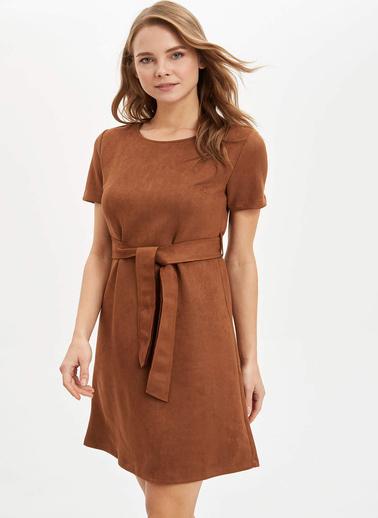 DeFacto Kısa Kollu Beli Kuşaklı Elbise Kahve